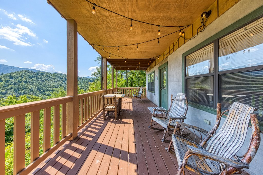 Photo of a Sevierville Cabin named Cove Mountain Retreat Cabin - This is the sixth photo in the set.