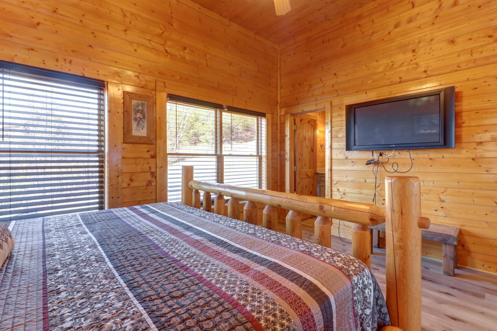 Photo of a Sevierville Cabin named A Higher Calling - This is the twentieth photo in the set.