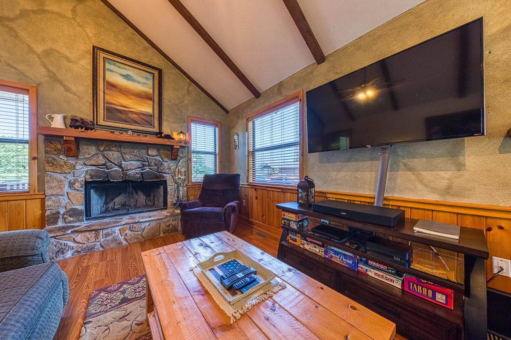 Photo of a Sevierville Cabin named Cove Mountain Retreat Cabin - This is the ninth photo in the set.
