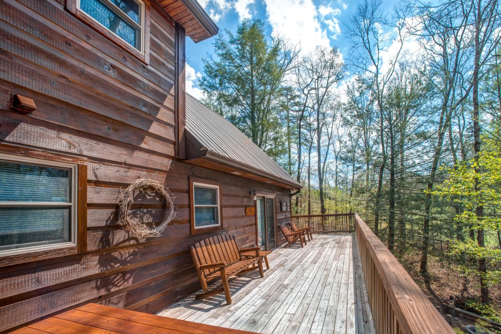Photo of a Sevierville Cabin named Two Bears Cabin - This is the sixth photo in the set.
