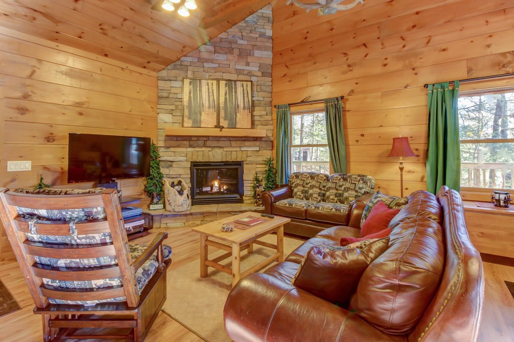 Photo of a Sevierville Cabin named Two Bears Cabin - This is the fourth photo in the set.
