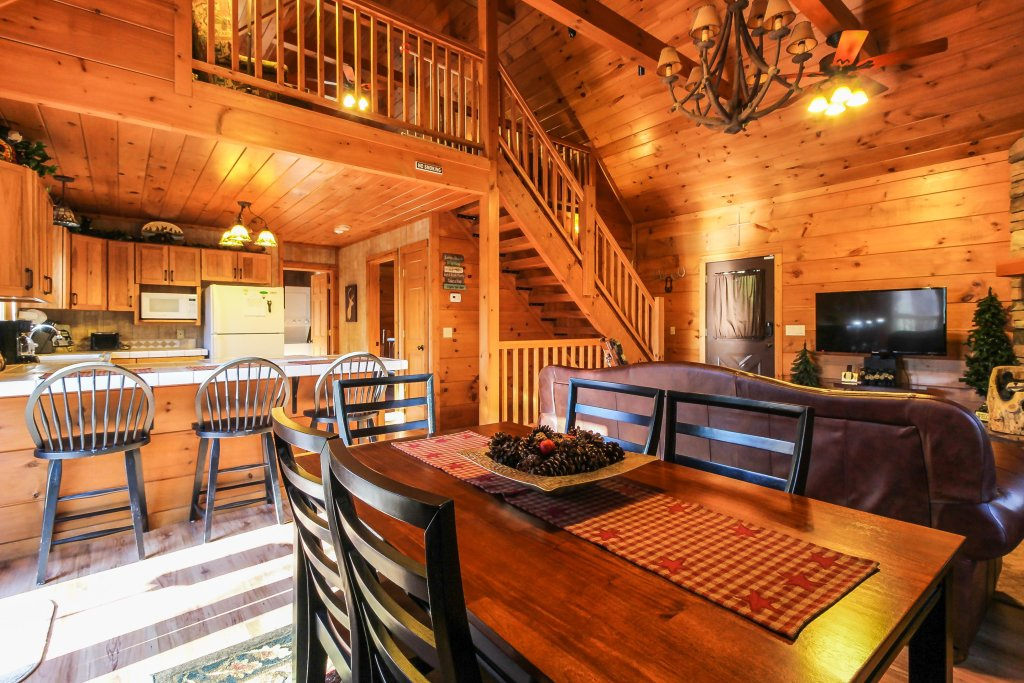 Photo of a Sevierville Cabin named Two Bears Cabin - This is the ninth photo in the set.