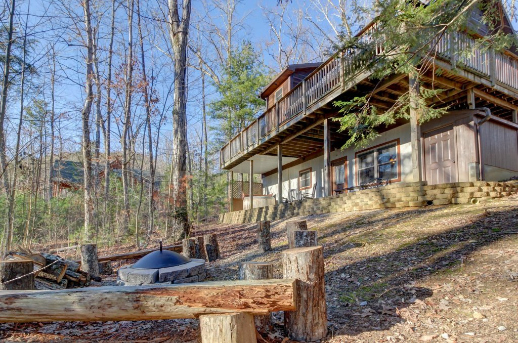 Photo of a Sevierville Cabin named Two Bears Cabin - This is the thirty-first photo in the set.