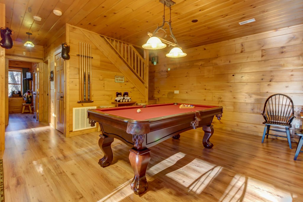 Photo of a Sevierville Cabin named Two Bears Cabin - This is the thirteenth photo in the set.