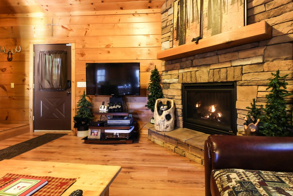 Photo of a Sevierville Cabin named Two Bears Cabin - This is the thirty-fifth photo in the set.