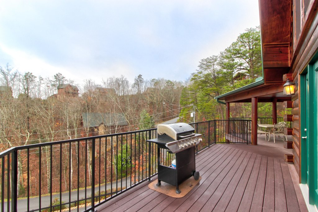 Photo of a Sevierville Cabin named Inspiration Point Cabin - This is the ninth photo in the set.