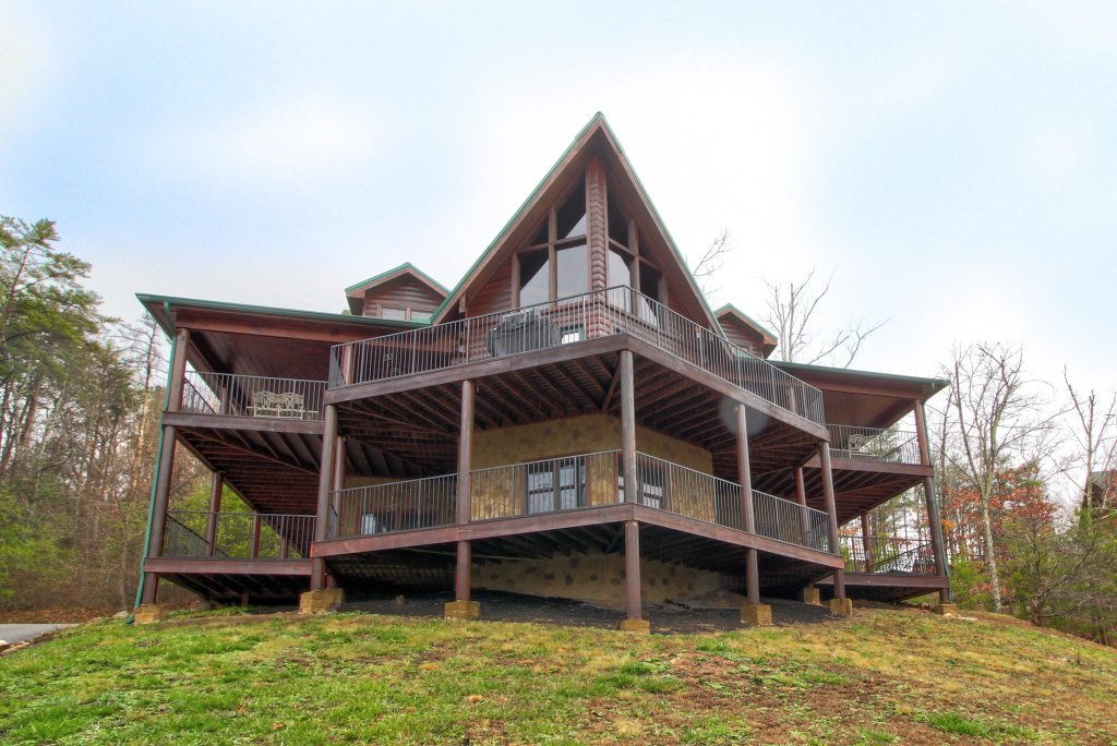 Photo of a Sevierville Cabin named Inspiration Point Cabin - This is the fifth photo in the set.