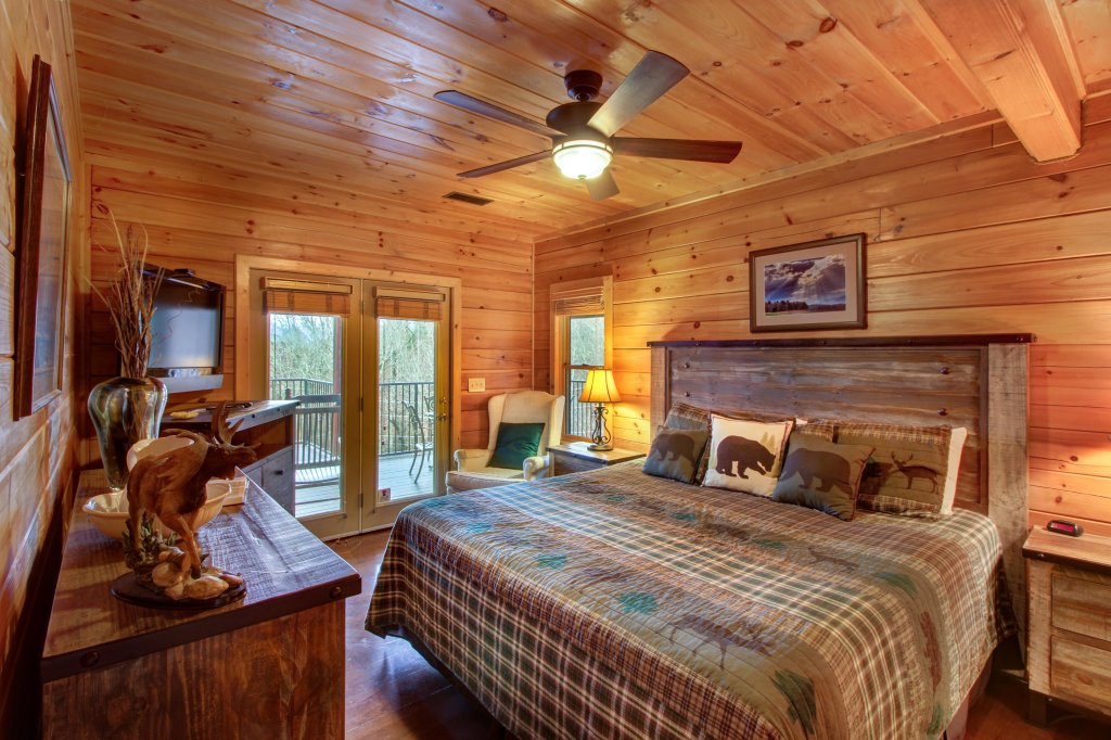 Photo of a Sevierville Cabin named Inspiration Point Cabin - This is the sixteenth photo in the set.