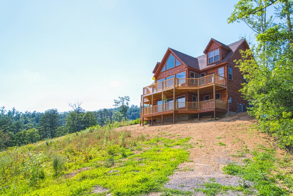 Photo of a Sevierville Cabin named Bearadise - This is the first photo in the set.