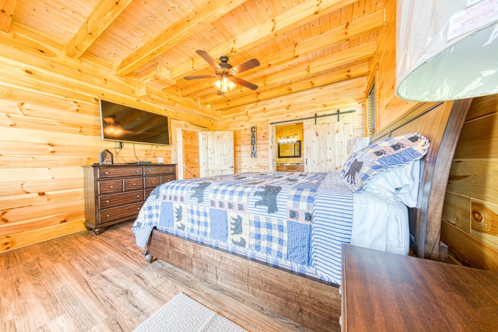 Photo of a Sevierville Cabin named Bearadise - This is the twentieth photo in the set.