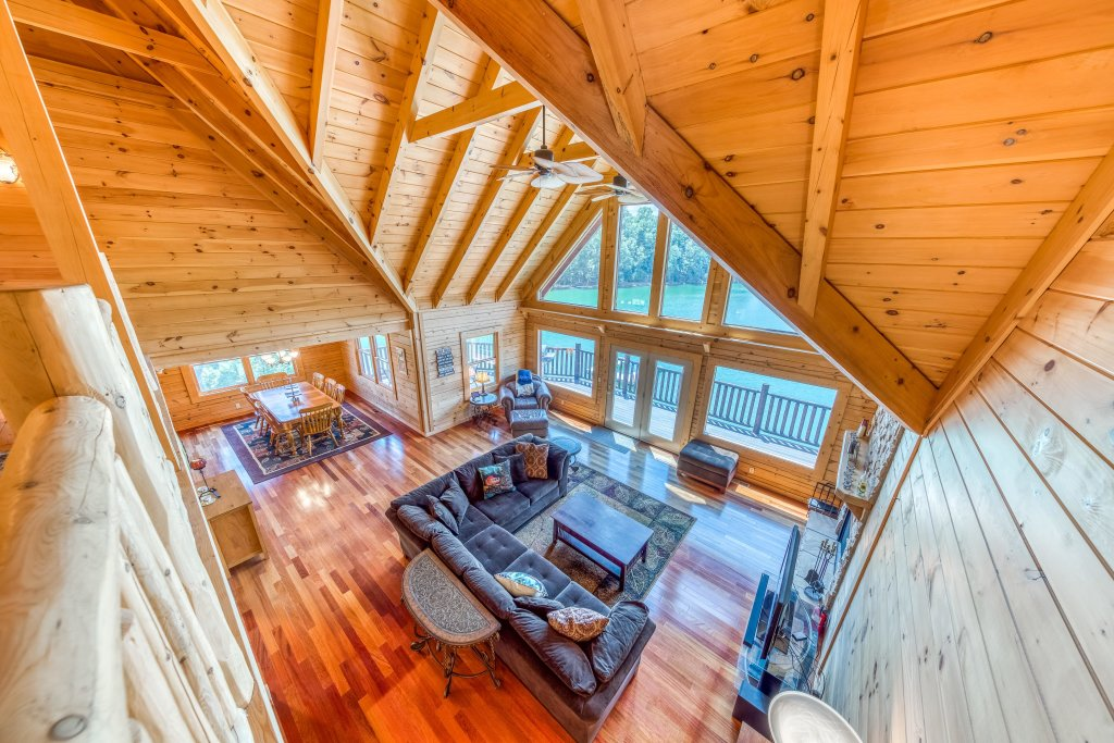 Photo of a Sevierville Cabin named Majestic Lakefront Lodge - This is the eighth photo in the set.