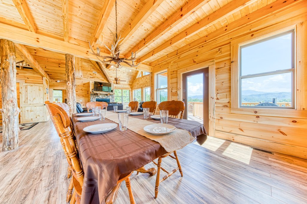Photo of a Sevierville Cabin named Bearadise - This is the thirteenth photo in the set.