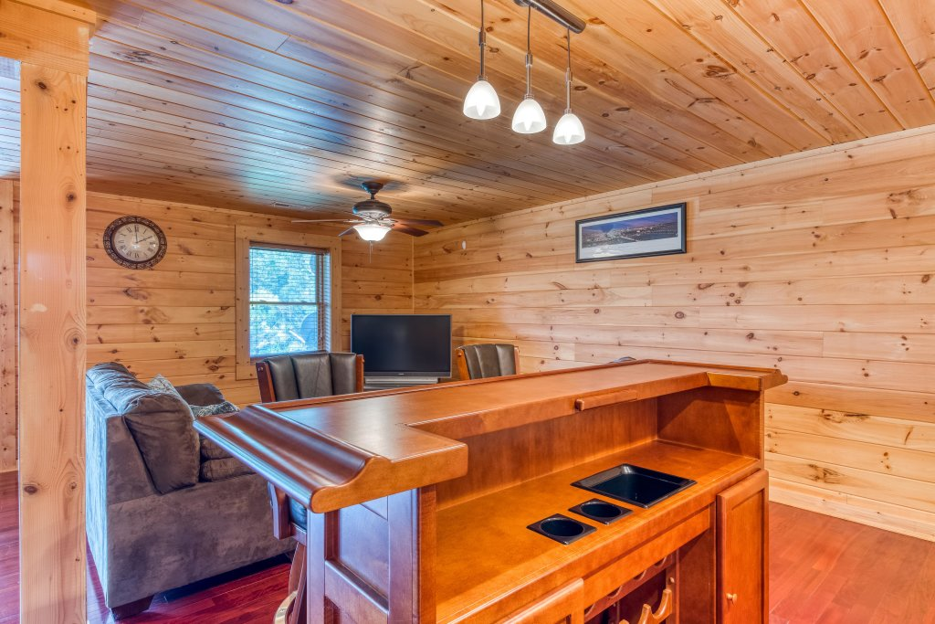 Photo of a Sevierville Cabin named Majestic Lakefront Lodge - This is the twenty-second photo in the set.
