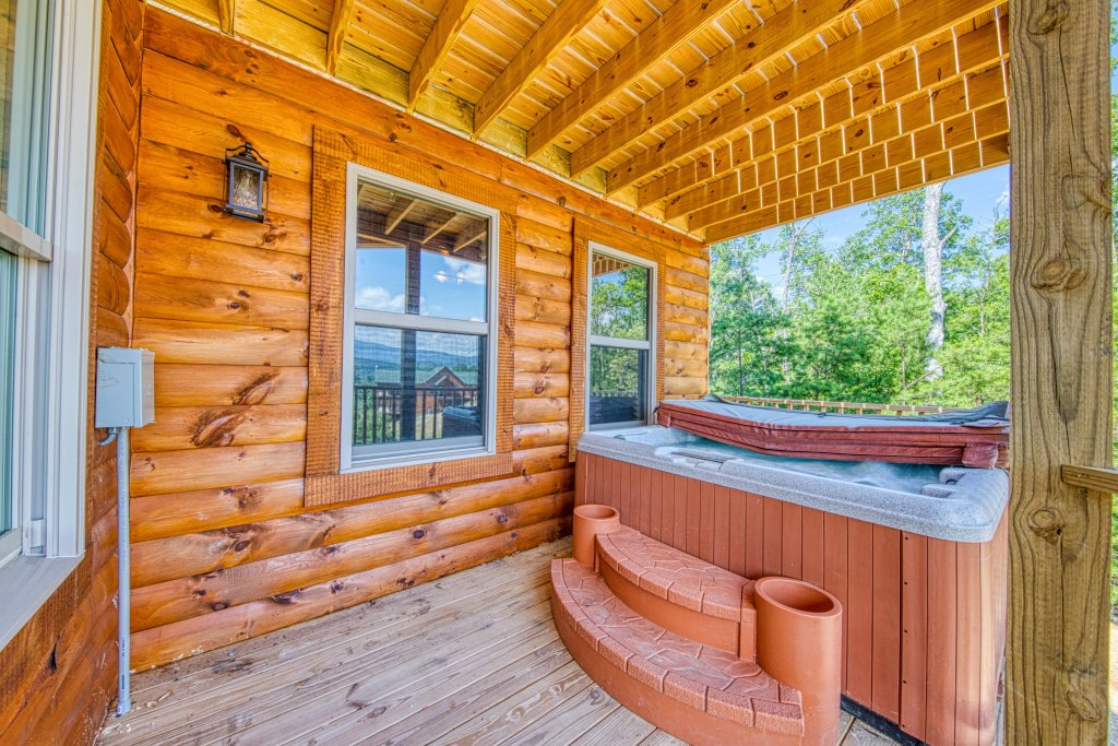 Photo of a Sevierville Cabin named Bearadise - This is the twenty-seventh photo in the set.