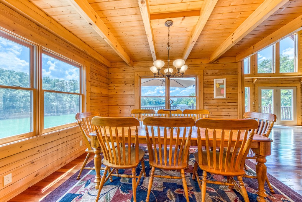 Photo of a Sevierville Cabin named Majestic Lakefront Lodge - This is the seventeenth photo in the set.