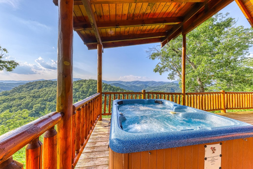 Photo of a Sevierville Cabin named Kodiak #45 - This is the second photo in the set.