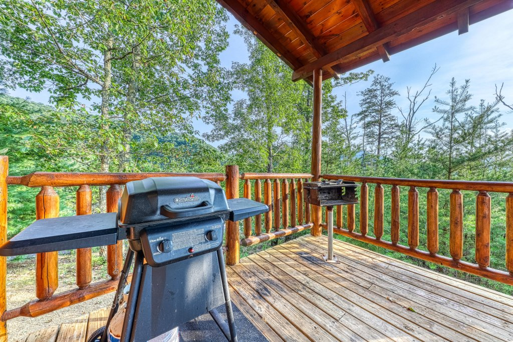 Photo of a Sevierville Cabin named Kodiak #45 - This is the ninth photo in the set.