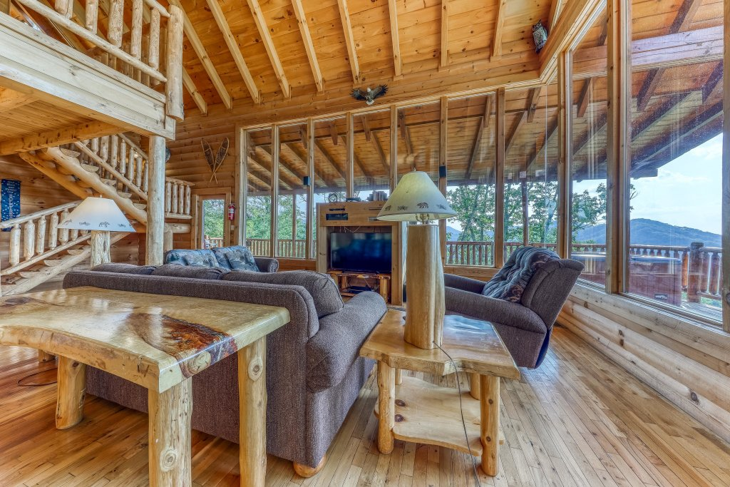 Photo of a Sevierville Cabin named Kodiak #45 - This is the eleventh photo in the set.