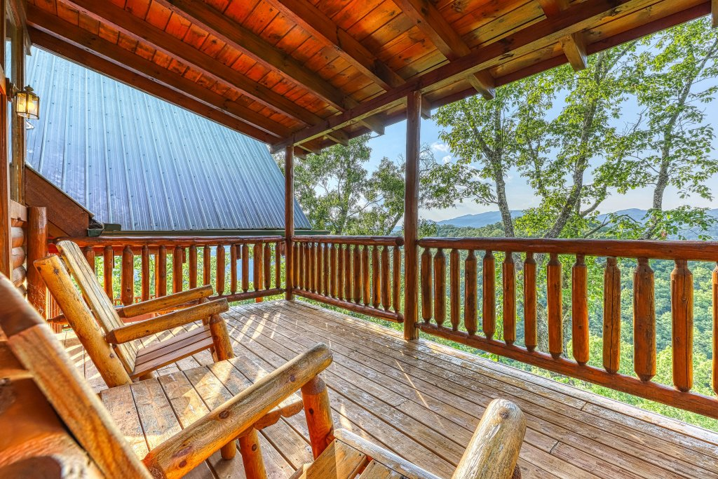 Photo of a Sevierville Cabin named Kodiak #45 - This is the twenty-seventh photo in the set.