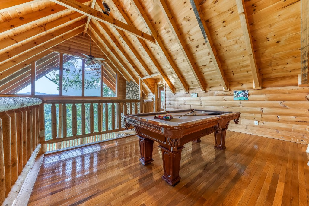 Photo of a Sevierville Cabin named Kodiak #45 - This is the twentieth photo in the set.