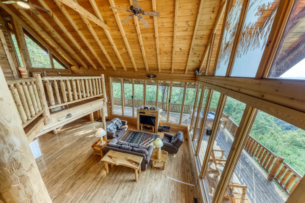 Photo of a Sevierville Cabin named Kodiak #45 - This is the fourteenth photo in the set.
