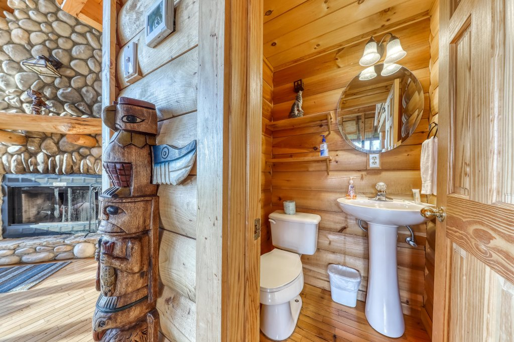Photo of a Sevierville Cabin named Kodiak #45 - This is the thirty-sixth photo in the set.