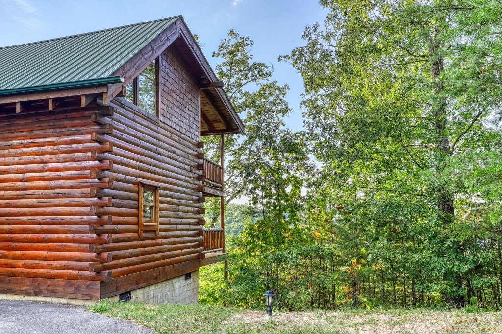 Photo of a Sevierville Cabin named Kodiak #45 - This is the forty-second photo in the set.