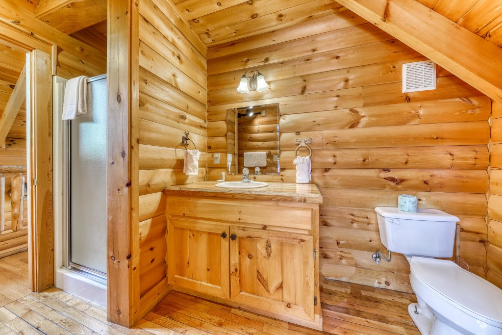 Photo of a Sevierville Cabin named Kodiak #45 - This is the thirty-fourth photo in the set.