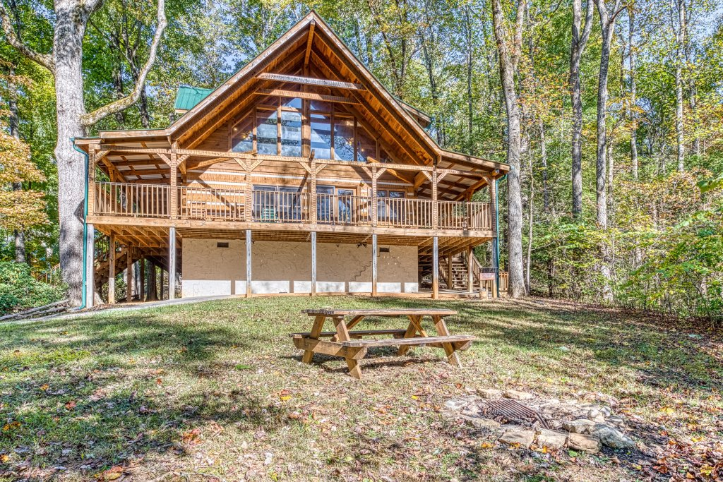 Photo of a Sevierville Cabin named Smokies Sanctuary Cabin - This is the second photo in the set.