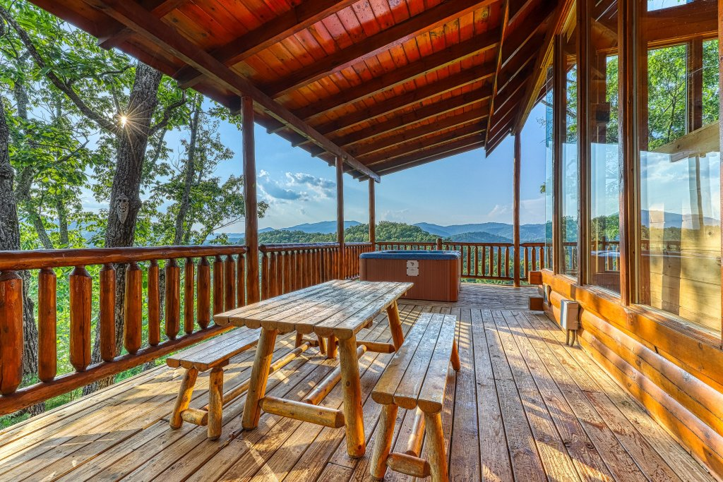 Photo of a Sevierville Cabin named Kodiak #45 - This is the forty-third photo in the set.