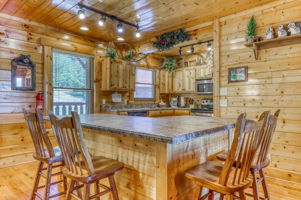 Photo of a Sevierville Cabin named Million Dollar View Cabin - This is the seventh photo in the set.