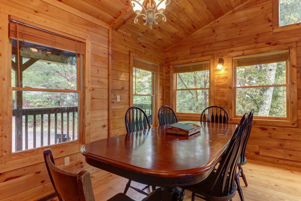 Photo of a Pigeon Forge Cabin named 20/20 View - This is the thirty-first photo in the set.
