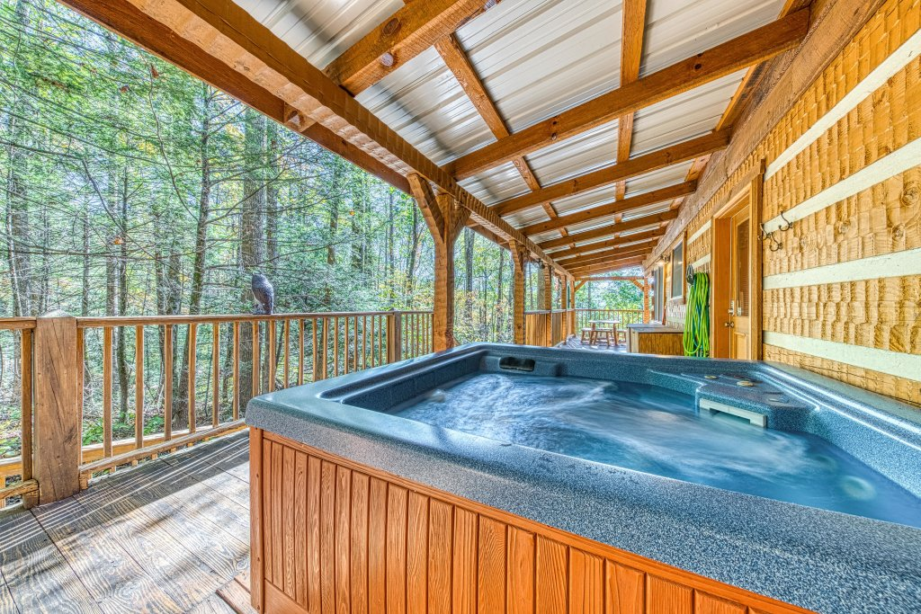 Photo of a Sevierville Cabin named Smokies Sanctuary Cabin - This is the forty-first photo in the set.