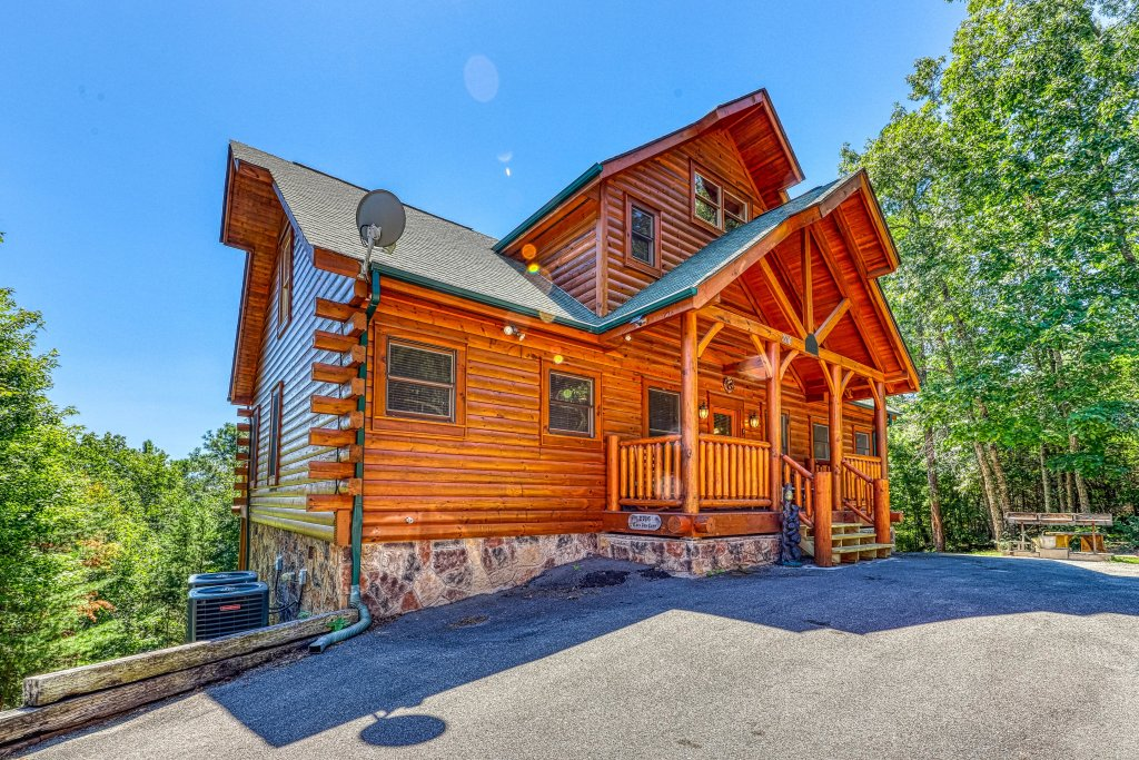Photo of a Sevierville Cabin named Million Dollar View Cabin - This is the fourth photo in the set.