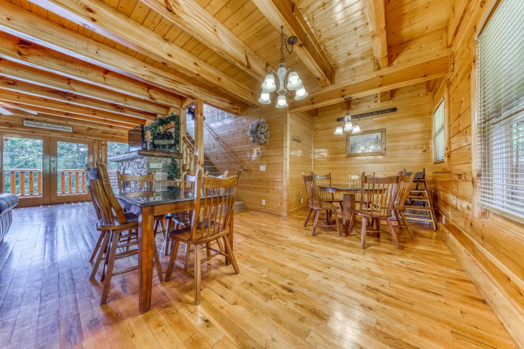 Photo of a Sevierville Cabin named Million Dollar View Cabin - This is the sixth photo in the set.