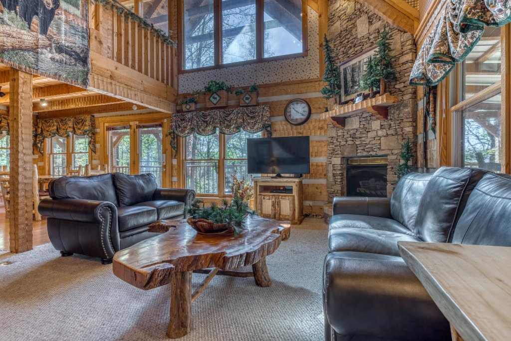 Photo of a Sevierville Cabin named Smokies Sanctuary Cabin - This is the first photo in the set.