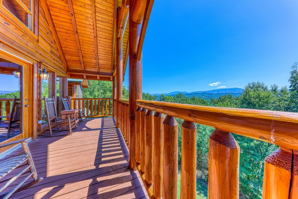 Photo of a Sevierville Cabin named Million Dollar View Cabin - This is the first photo in the set.