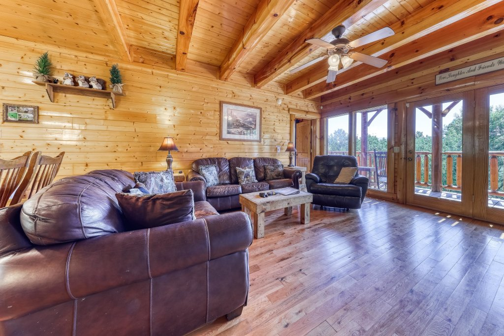 Photo of a Sevierville Cabin named Million Dollar View Cabin - This is the ninth photo in the set.