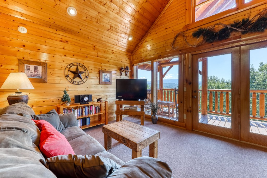 Photo of a Sevierville Cabin named Million Dollar View Cabin - This is the thirteenth photo in the set.