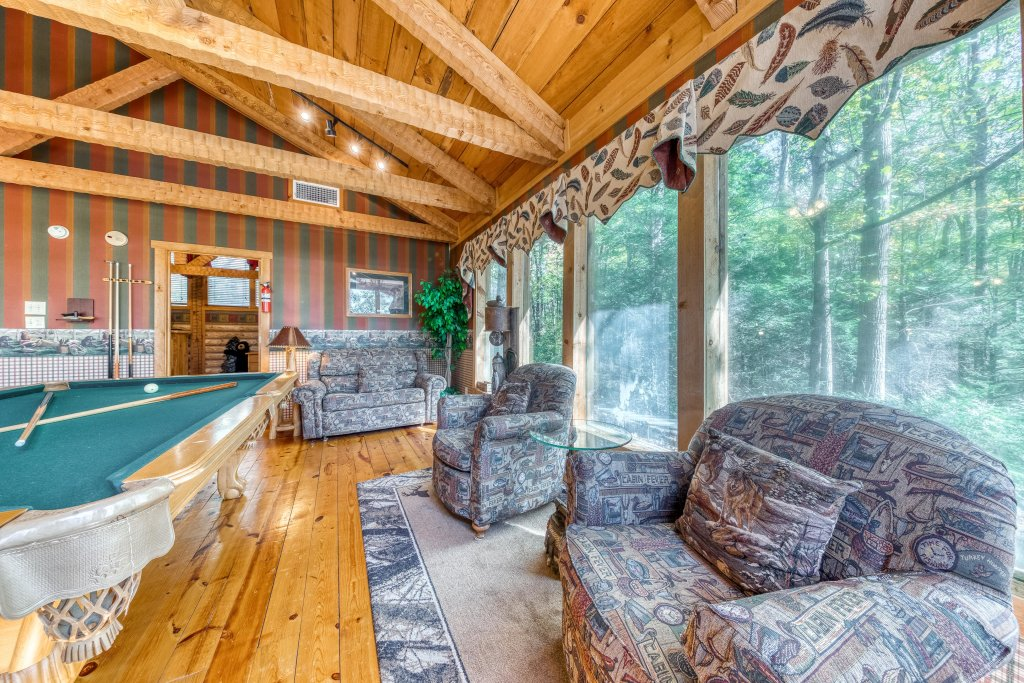 Photo of a Sevierville Cabin named Smokies Sanctuary Cabin - This is the sixteenth photo in the set.