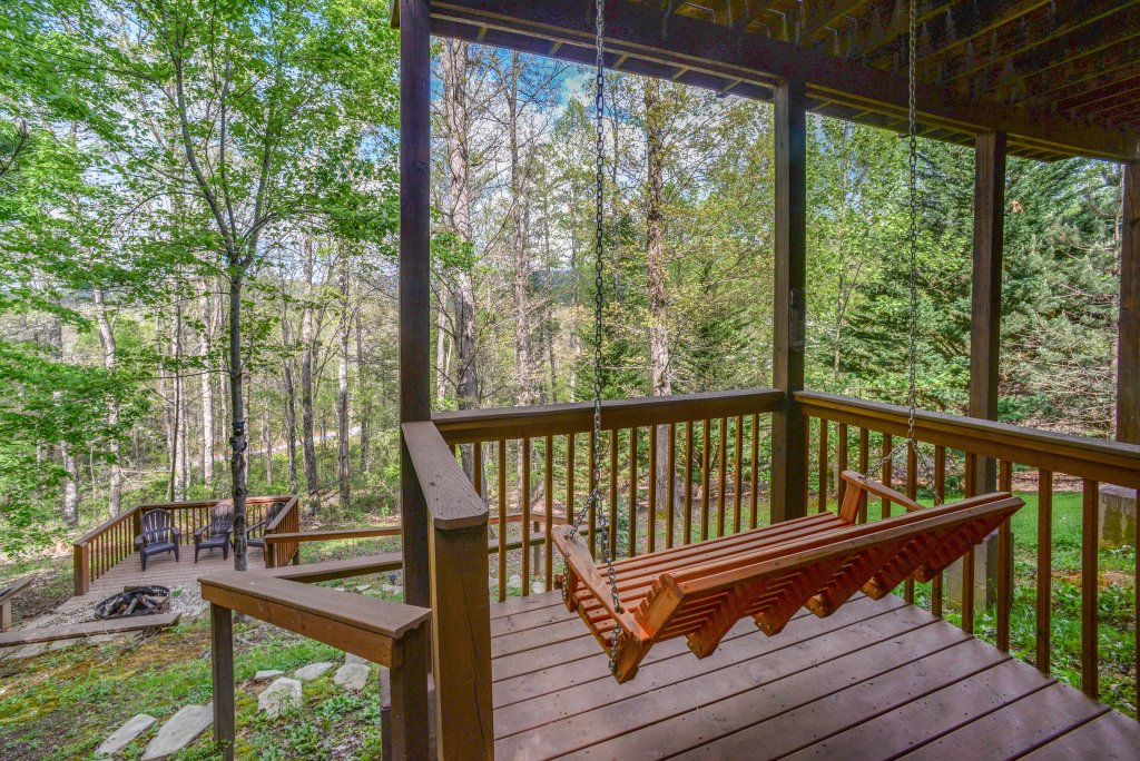 Photo of a Sevierville Cabin named Heavenly Daze Cabin - This is the fifth photo in the set.