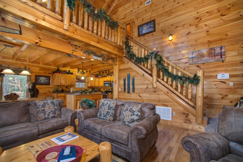 Photo of a Sevierville Cabin named Bearfoot Retreat Cabin - This is the seventh photo in the set.