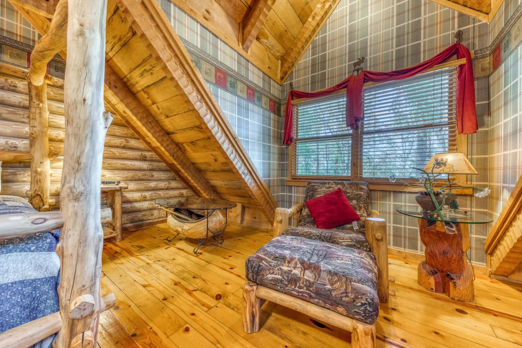 Photo of a Sevierville Cabin named Smokies Sanctuary Cabin - This is the eighteenth photo in the set.