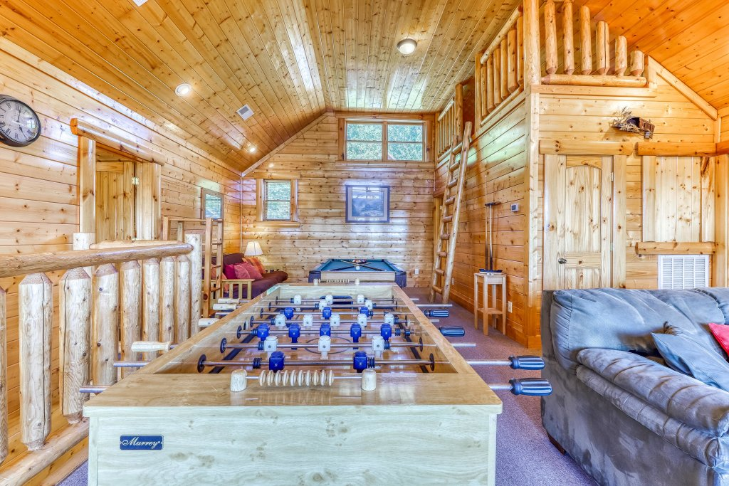 Photo of a Sevierville Cabin named Million Dollar View Cabin - This is the sixteenth photo in the set.