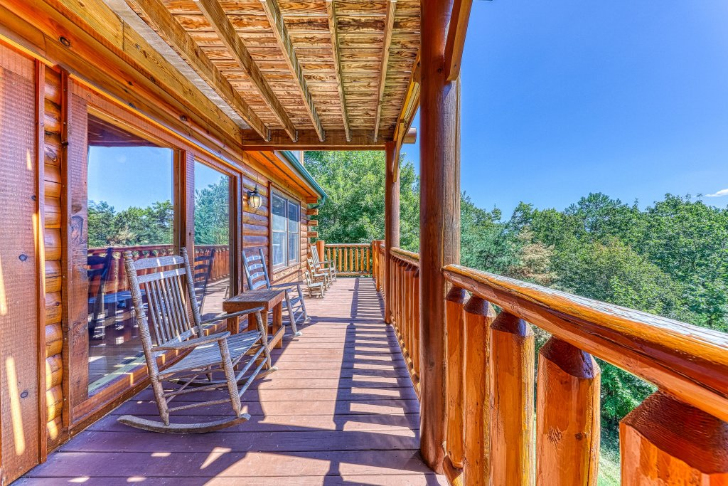 Photo of a Sevierville Cabin named Million Dollar View Cabin - This is the fifteenth photo in the set.