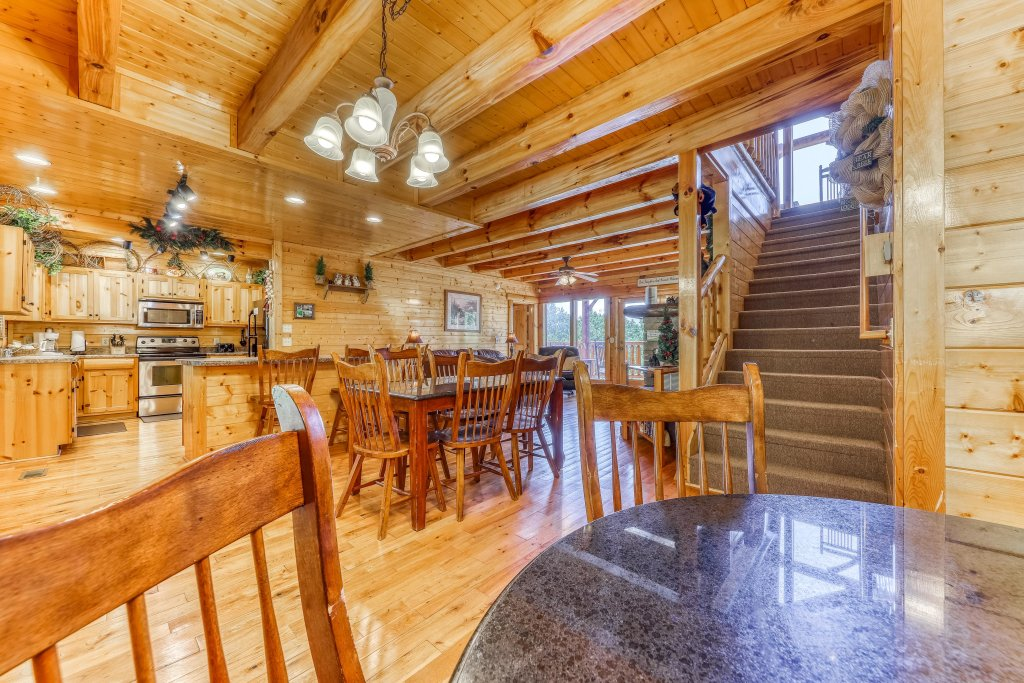 Photo of a Sevierville Cabin named Million Dollar View Cabin - This is the eighth photo in the set.