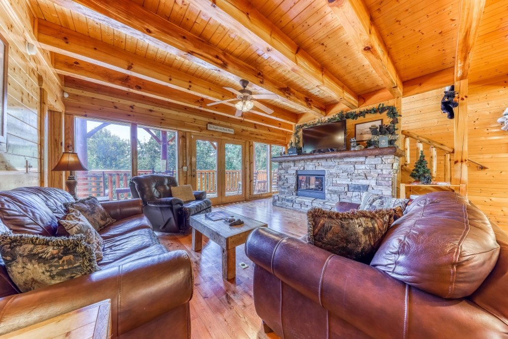 Photo of a Sevierville Cabin named Million Dollar View Cabin - This is the tenth photo in the set.