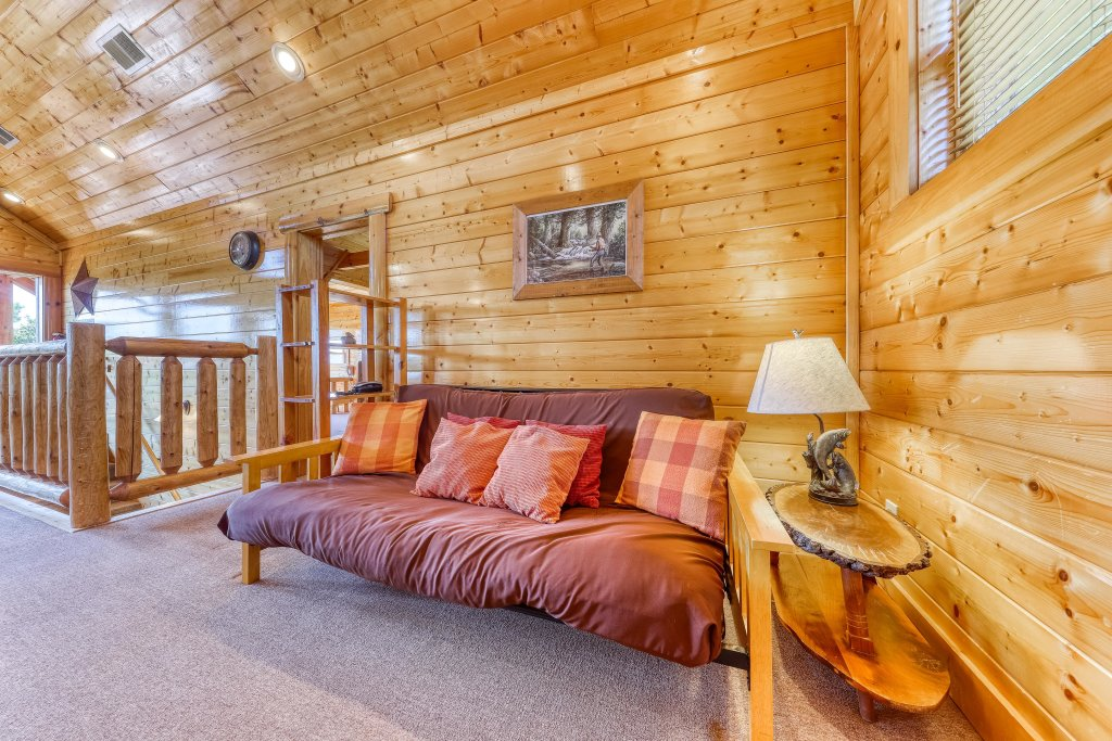 Photo of a Sevierville Cabin named Million Dollar View Cabin - This is the twenty-first photo in the set.