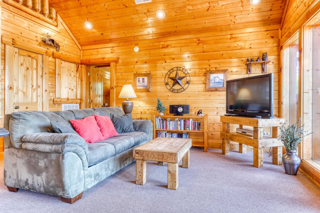Photo of a Sevierville Cabin named Million Dollar View Cabin - This is the twelfth photo in the set.