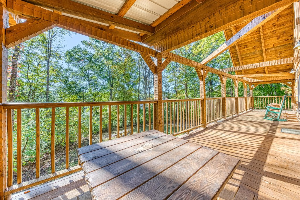 Photo of a Sevierville Cabin named Smokies Sanctuary Cabin - This is the thirty-third photo in the set.